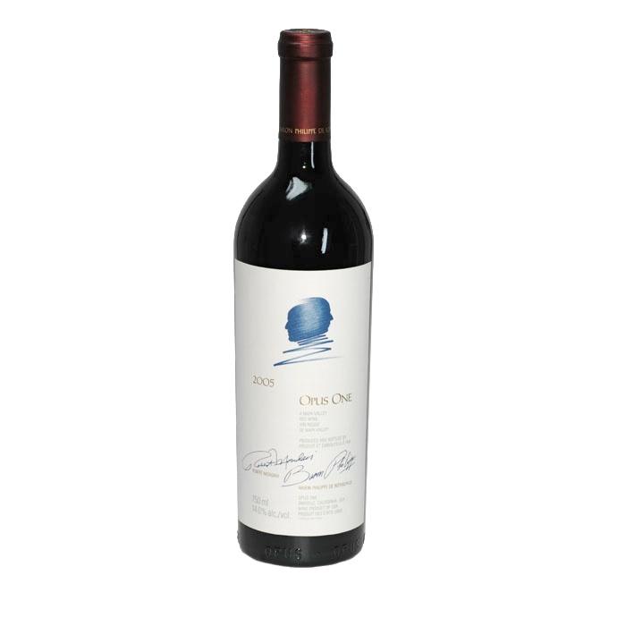 Wein ist mehr als ein Getränk. Er spiegelt die Landschaft, in dem er gewachsen ist und die Persönlichkeiten wieder, die ihn gepflegt haben. Guter Wein entsteht im Weinberg - als Resultat von Boden, Lage, Sorte, Wetter und der Pflege.