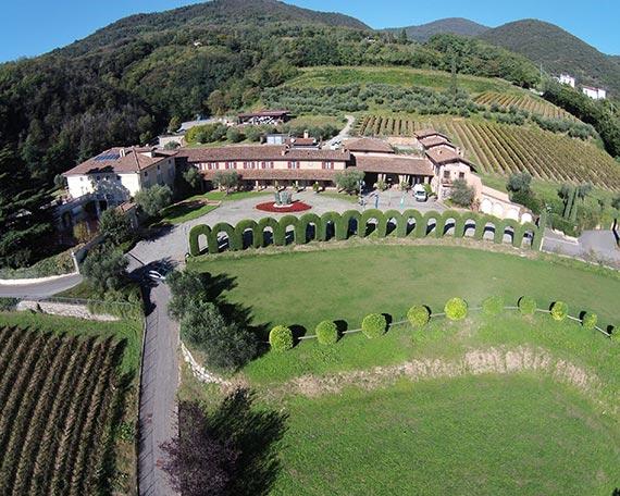 Blick auf La Montina in der Franciacorta