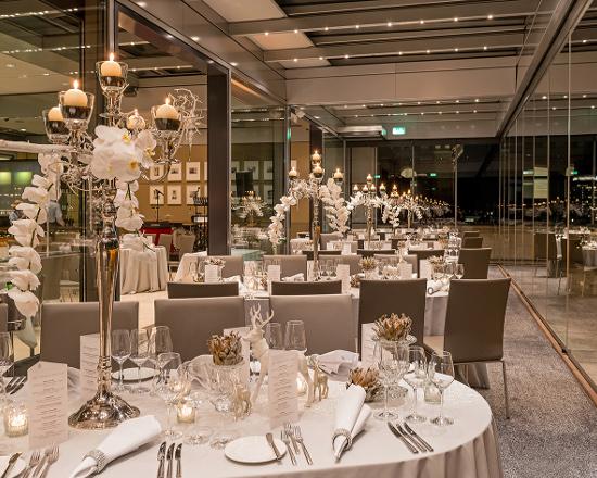 Silvester Gala Dinner im DACHGARTEN-RESTAURANT Berlin