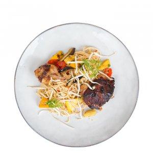 Gegrillte Thai Hähnchenkeulen